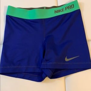 Nike Pro cool compression short. XS
